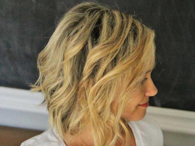 прически за средно къса коса