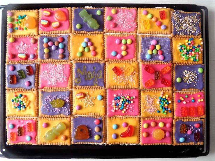 домашна бисквитена торта