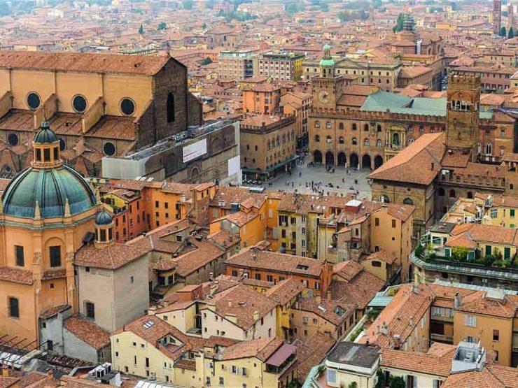 Болоня Италия