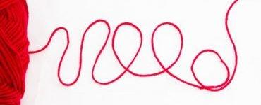 Червен конец на китката. Историята на червената нишка